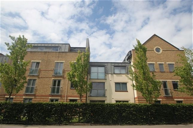 Thumbnail Flat to rent in Spur House, The Crescent, Maidenhead, Berkshire
