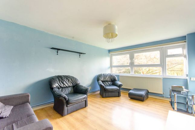 Thumbnail Flat to rent in Commerce Road, Wood Green