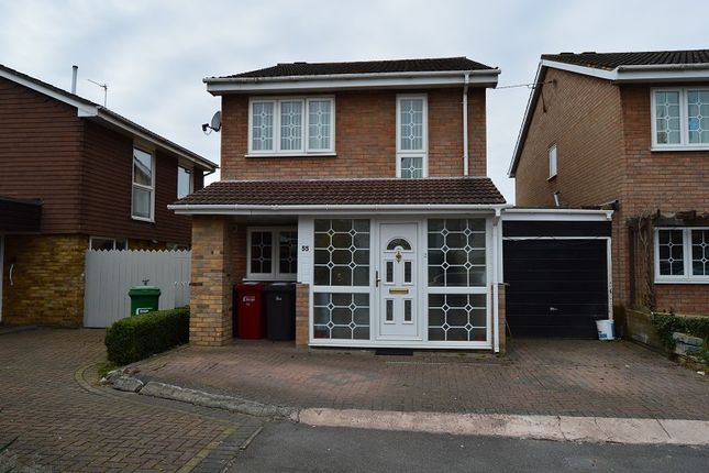 Thumbnail Property for sale in Gilmore Close, Slough, Berkshire.