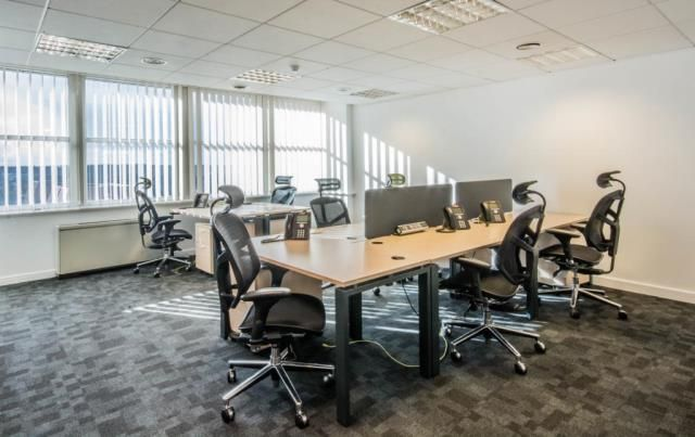 Thumbnail Office to let in Queens Walk, Reading