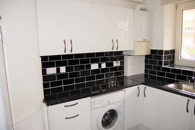 Thumbnail Flat to rent in George Belt House, Smart Street, Bethnal Green