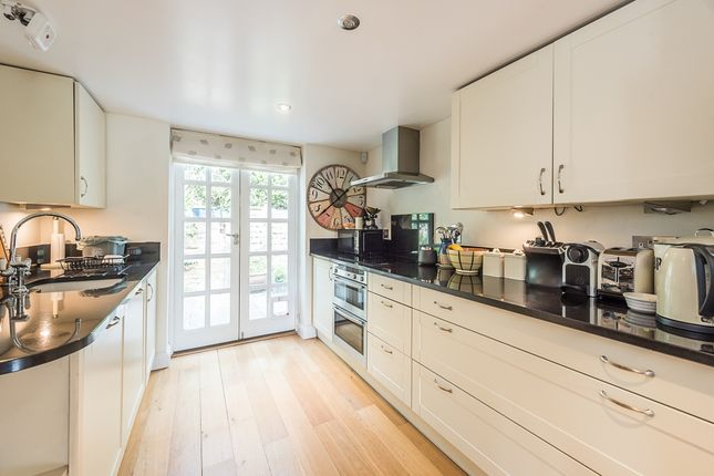 Thumbnail Cottage to rent in Village Lane, Hedgerley, Slough