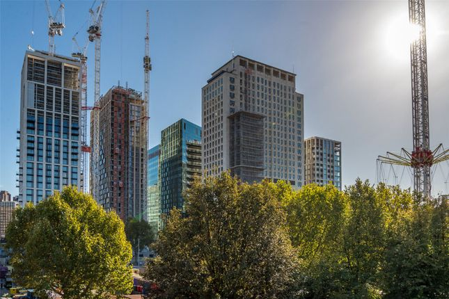 Flat for sale in 30 Casson Square, Southbank Place, London
