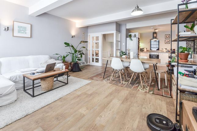 Thumbnail Town house to rent in Cliff Road, Nottingham