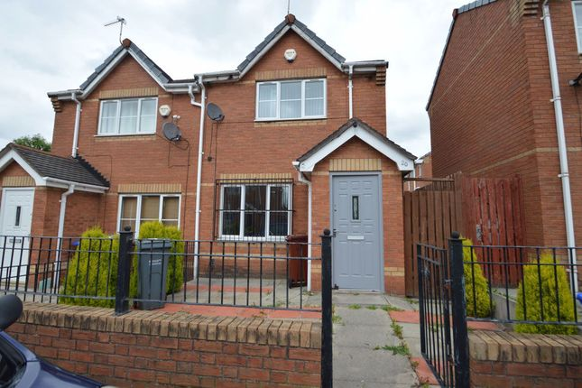 Thumbnail Property to rent in Bromshill Drive, Salford