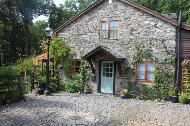 Thumbnail Cottage for sale in Penybontfawr, Oswestry