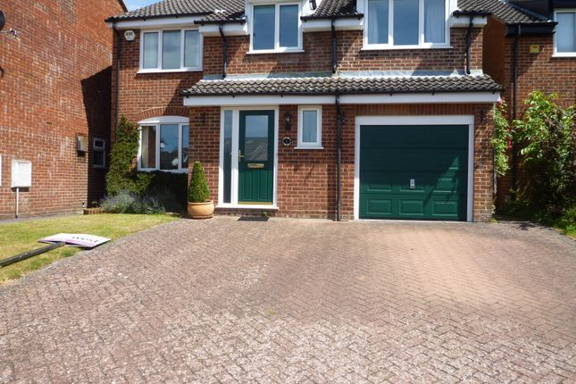 Detached house to rent in Valley Park Drive, Clanfield, Waterlooville
