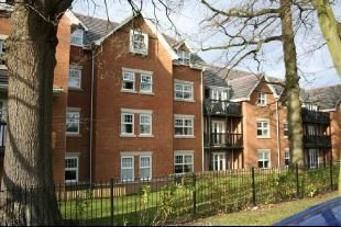 Thumbnail Flat to rent in Worth Park Avenue, Crawley