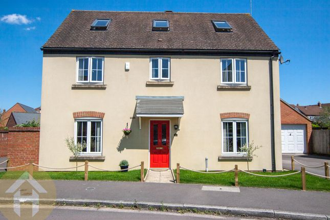 Thumbnail Detached house for sale in Phoebe Way, Swindon