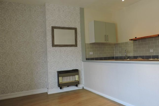 Thumbnail Flat to rent in Blacker Road, Mapplewell, Barnsley