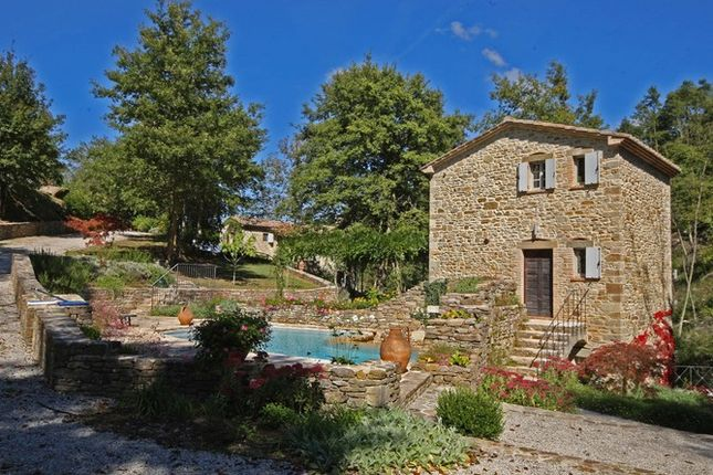 4 bed farmhouse for sale in 52100 Arezzo, Province Of Arezzo, Italy