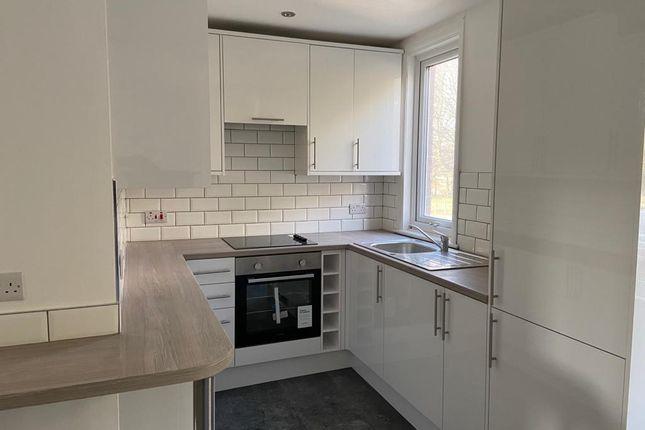 3 bed flat to rent in Headingley Lane, Headingley, Leeds LS6