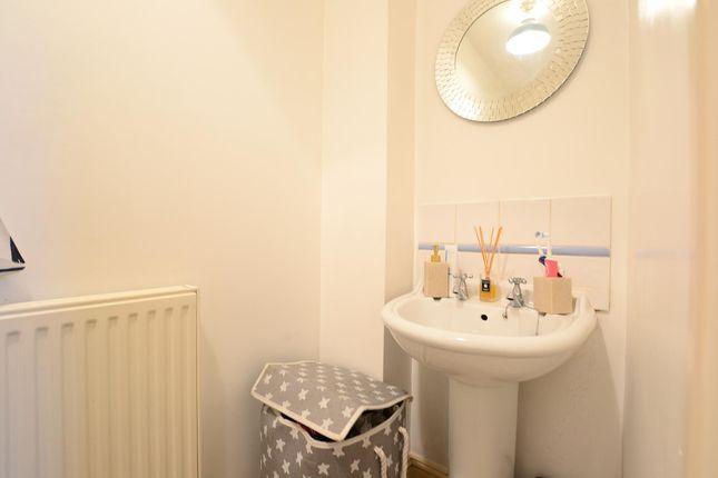 En Suite of Flat Grove Hill Road, Tunbridge Wells, Kent TN1