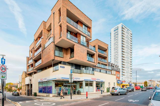 Thumbnail Flat for sale in Maryland Street, London