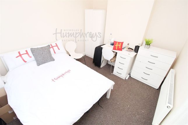 Thumbnail Shared accommodation to rent in Walmer Road, Fratton