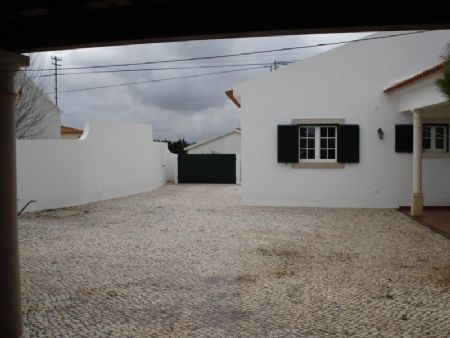 3 bed villa for sale in Bombarral, Silver Coast, Portugal