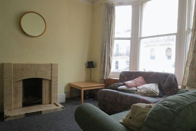 Thumbnail Flat to rent in Roundhill Crescent, Brighton