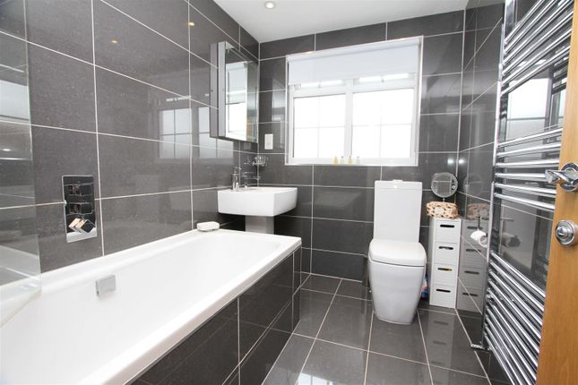 Bathroom of Micawber Avenue, Hillingdon UB8