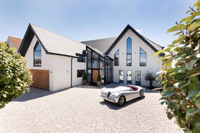 Thumbnail Detached house for sale in Hartfield Road, Bexhill-On-Sea, East Sussex