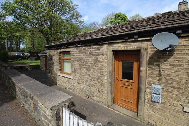 2 bed bungalow to rent in Bradley Road, Fixby, Huddersfield HD2