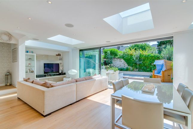End terrace house for sale in Victoria Mews, Wandsworth, London