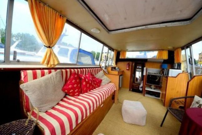 Thumbnail Houseboat to rent in Rope Street, London
