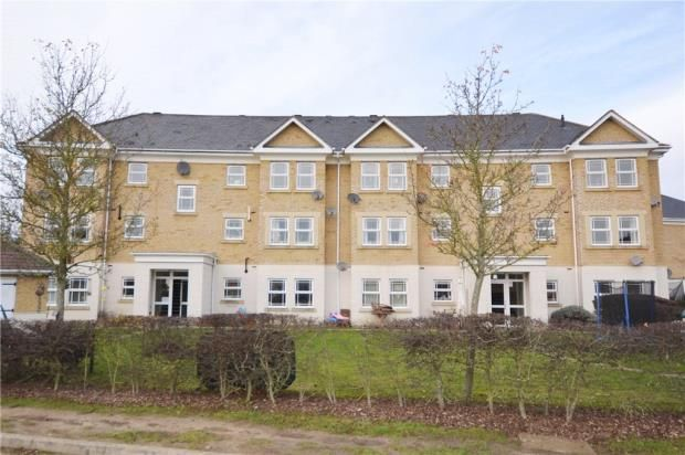 Thumbnail Flat for sale in Suffolk Court, Deepcut, Camberley