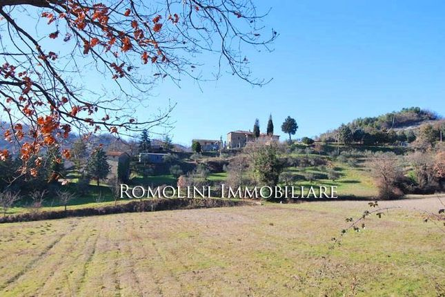 Country house for sale in Pietralunga, Umbria, Italy