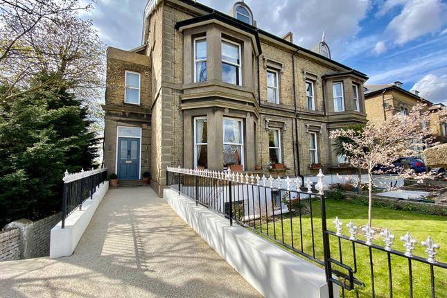 5 bed semi-detached house for sale in Glen View, Gravesend DA12