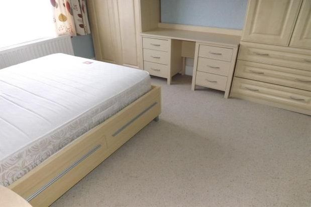 Thumbnail Flat to rent in The Avenue, Newton-Le-Willows