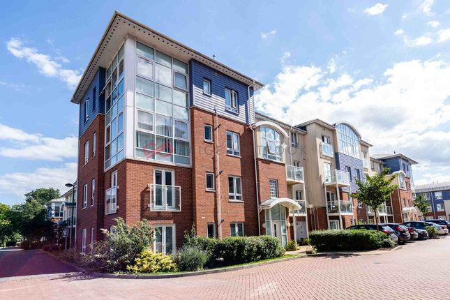 2 bed flat to rent in Pumphouse Crescent, Watford WD17