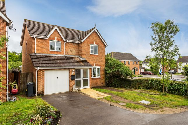 3 bed detached house for sale in De Burgh Gardens, Tadworth