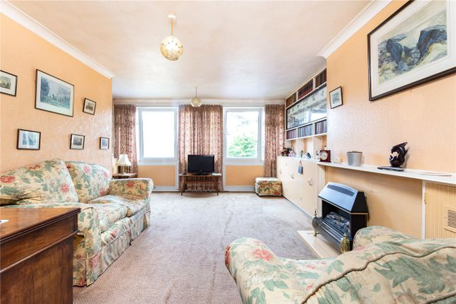 Thumbnail Terraced house for sale in The Dell, London