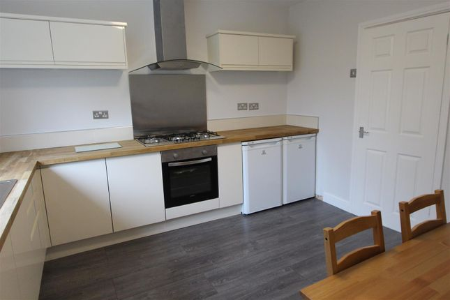 Thumbnail Flat for sale in Sheen Court, The Walk, Ystrad Mynach, Hengoed