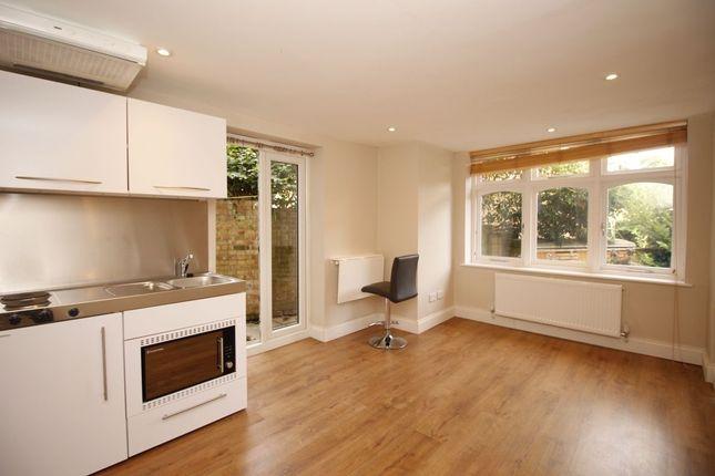Studio to rent in Preston Close, Twickenham