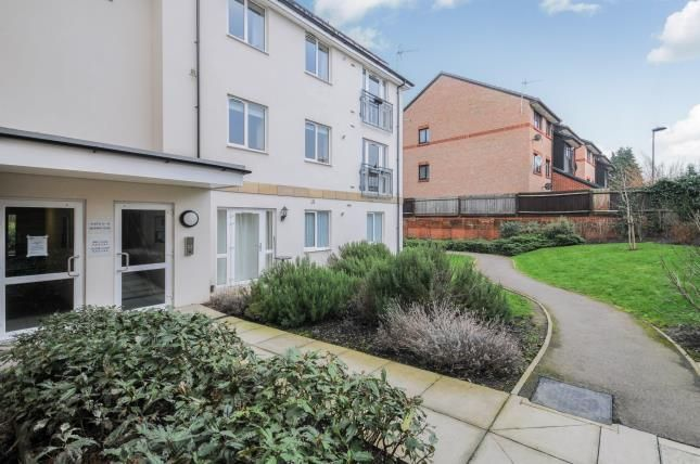 Thumbnail Flat for sale in Beckwith Close, Enfield