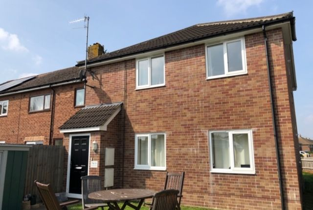 Flat to rent in Monks Way, Eastleigh