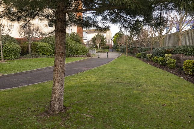 Communal Gardens of Scott-Paine Drive, Hythe, Southampton SO45