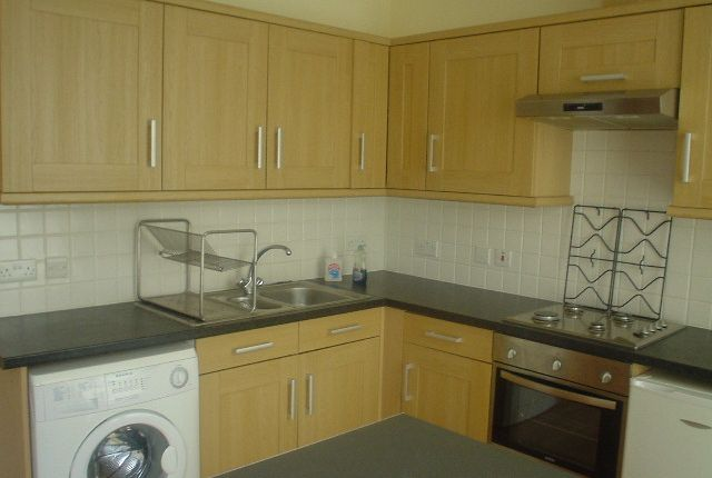 Thumbnail 3 bed flat to rent in Davenant Road, London