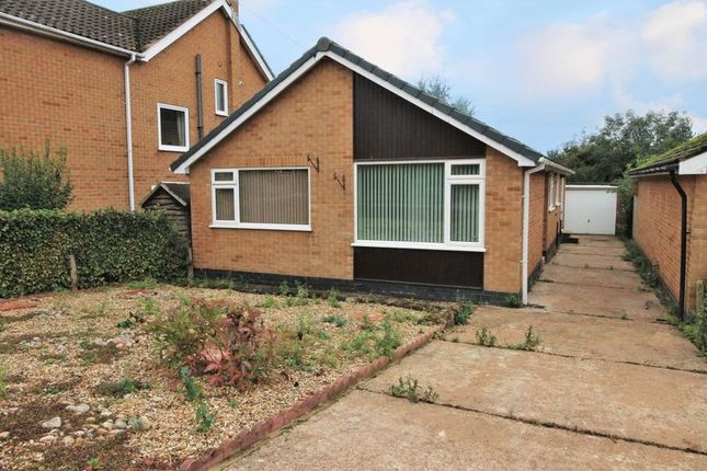 Thumbnail Detached bungalow for sale in Fernwood Drive, Radcliffe-On-Trent, Nottingham