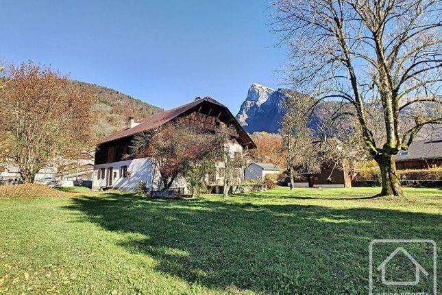 Thumbnail Chalet for sale in Rhône-Alpes, Haute-Savoie, Samoëns
