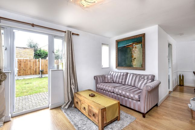 Thumbnail Detached house to rent in Longfellow Way, London