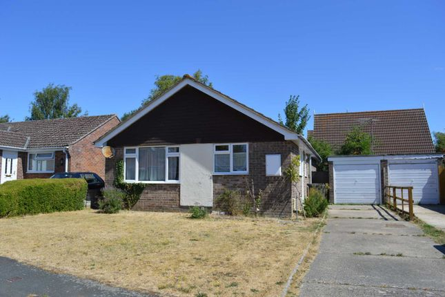 Thumbnail Bungalow to rent in Willis Close, Great Bedwyn, Marlborough