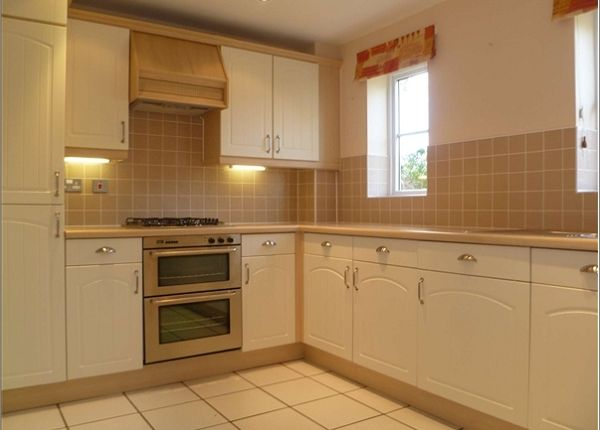 Thumbnail Semi-detached house to rent in Willow Drive, Carterton