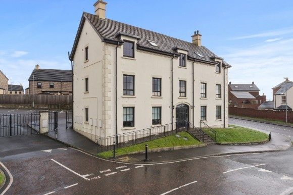 Thumbnail Flat for sale in Lady Wallace Crescent, Lisburn