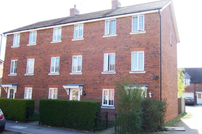 Thumbnail Town house to rent in Dragon Road, Hatfield