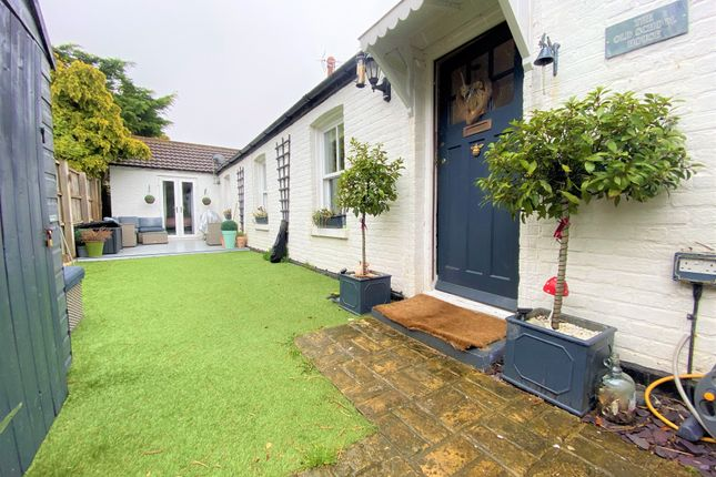 2 bed detached bungalow to rent in Edge End Road, Broadstairs CT10