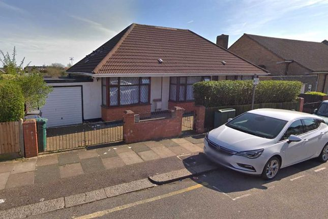Thumbnail Bungalow to rent in Garratt Road, Edgware