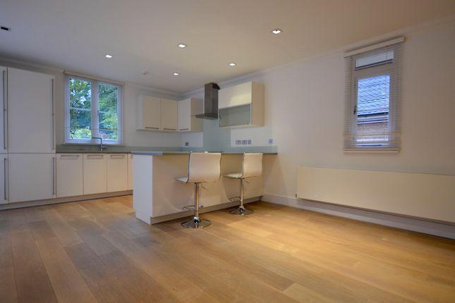 Thumbnail Flat to rent in London Road, Ascot