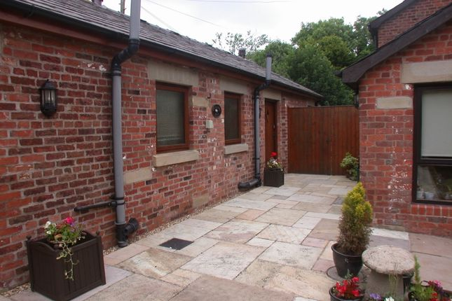 Thumbnail Bungalow to rent in Back Lane, Greenhalgh, Preston